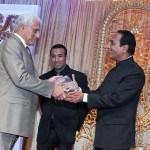 India Consul General of San Francisco N. Parthasarathi presents Dr. Romesh Wadhwani with the AIF Philanthropic Leadership Award