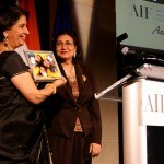 AIF Supporter Mahinder Tak presenting plaque to Indian Ambassador to US, Nirupama Rao at the 2012 DC Gala