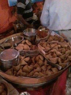 fried samosas and kachori