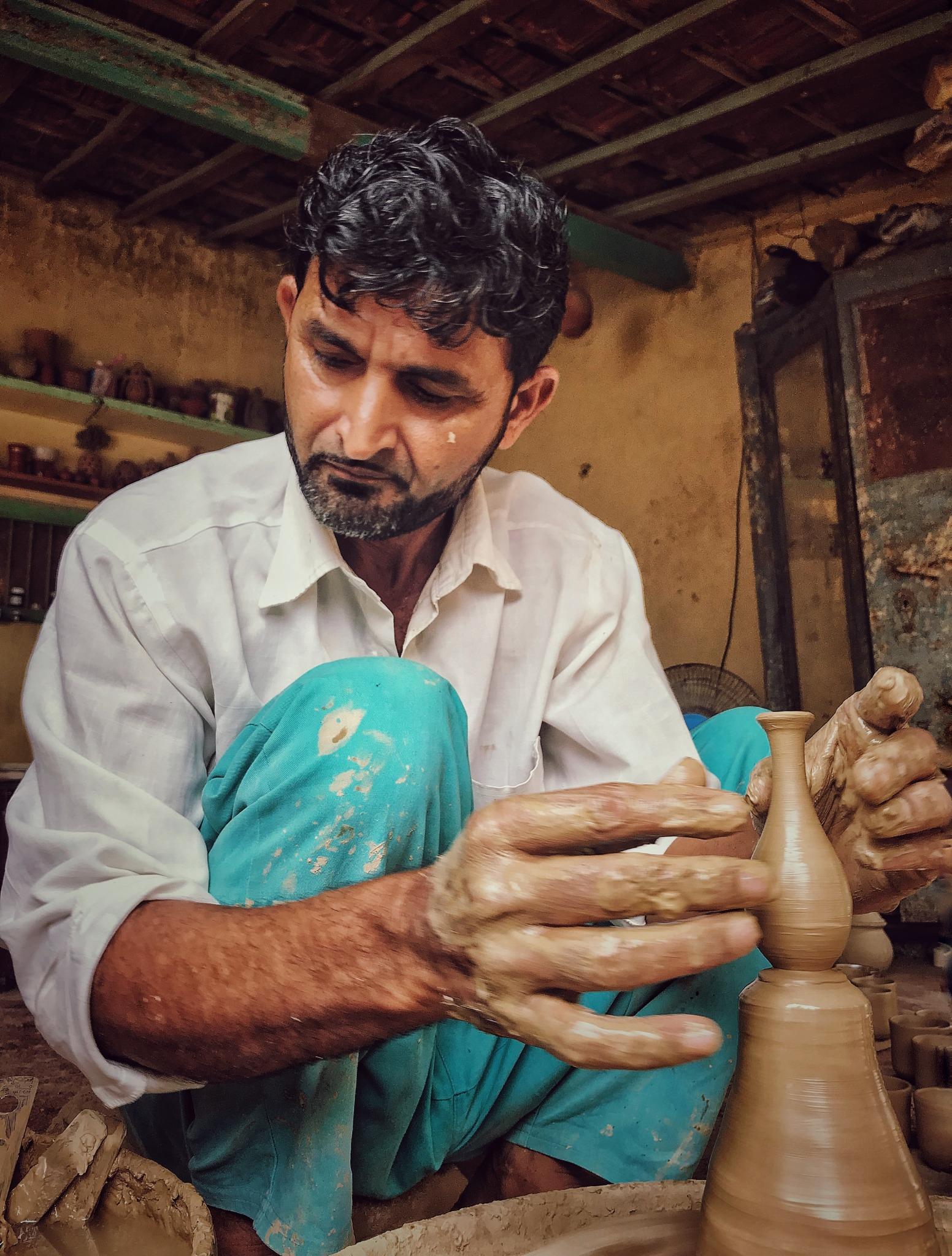 A potter in Gundiyali, Kachchh